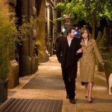 Keira Knightley con Guillaume Canet in una sequenza del film Last night (2010)