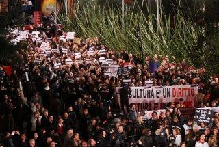 Roma 2010, migliaia di manifestanti bloccano la serata inaugurale.