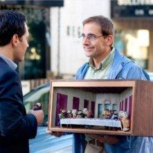 Steve Carell e Paul Rudd con un plastico significativo in Dinner for Schmucks