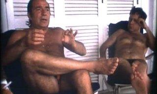 Ugo Tognazzi e Paolo Villaggio in una scena tratta dal documentario Ritratto di mio padre