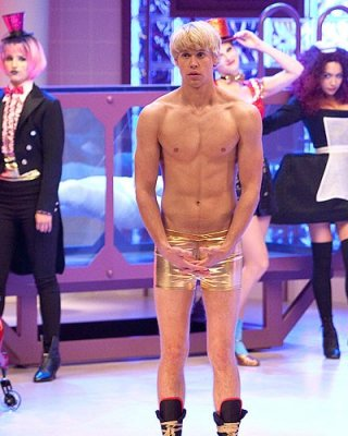 Un sexy Chord Overstreet nell'episodio The Rocky Horror Glee Show di Glee