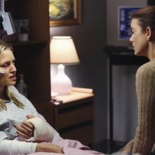 Kadee Strickland e Kate Walsh in Private Practice nell'episodio Did You Hear What Happened To Charlotte King?