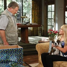 William Shatner e Nicole Sullivan in $#*! My Dad Says nell'episodio You Can't Handle The Truce