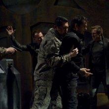 Lou Diamond Phillips ferma Justin Louis nell'episodio Aftermath di Stargate Universe