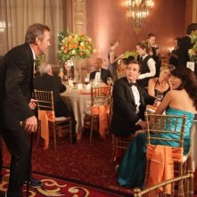 Hugh Laurie, Lisa Edelstein e Robert Sean Leonard in Dr House: Medical Division nell'episodio Small Sacrifices