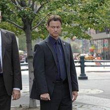 John Larroquette e Gary Sinise in CSI: New York,nell'episodio Hide Sight
