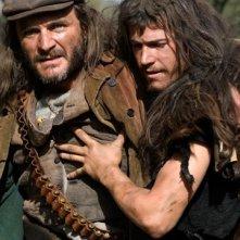 Juan José Ballesta con Àlex Brendemühl nel film Entre lobos
