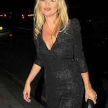 Kate Moss arriva al ristorante China Tang a cena con mamma Linda