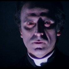 Primo Piano di Fabrizio Jovine in una scena del film Paura nella città dei morti viventi