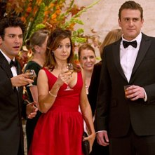 Josh Radnor, Alyson Hannigan e Jason Segel nell'episodio Natural History di How I Met Your Mother