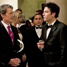Josh Radnor con la guest star Kyle MacLachlan nell'episodio Natural History di How I Met Your Mother