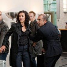 Indira Varma in una scena dell'episodio Ilsa Pucci di Human Target