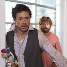 Robert Downey Jr con Zach Galifianakis nel road movie Due Date