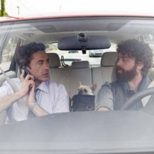 Robert Downey Jr e Zach Galifianakis nella commedia Due Date