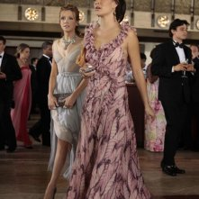 Juliet (Katie Cassidy) e Vanessa (Jessica Szohr) nell'episodio Juliet Doesn't Live Here Anymore di Gossip Girl