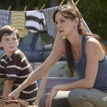 Sarah Wayne Callies e Chandler Riggs in una scena dell'episodio Bentornato papà di The Walking Dead