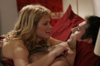 Barbora Bobulova e Raoul Bova in una scena della commedia Ti presento un amico