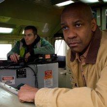 Denzel Washington con Chris Pine nel film Unstoppable