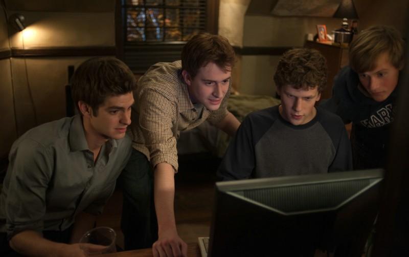 Una scena del film The Social Network con Jesse Eisenberg