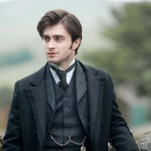 Un'immagine di Daniel Radcliffe in costume in The Woman in Black