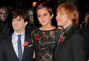 Daniel Radcliffe alla premiere di Harry Potter e i doni della morte - parte 1 con Emma Watson e Rupert Grint