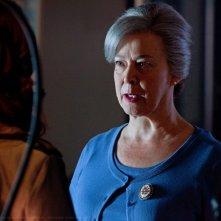 Christine Willes parla con Cassidy Freeman in una scena dell'episodio Abandoned di Smallville