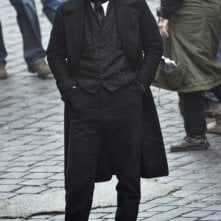 Prima immagine di John Cusack sul set di The Raven