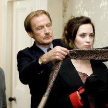 Rupert Grint, Bill Nighy ed Emily Blunt in una scena di Wild Target