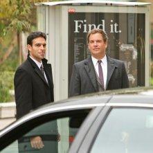 T.J. Ramini e Michael Weatherly in una scena dell'episodio Enemies Foreign di NCIS