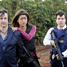 Bronson Pinchot, Grace Park e Jonathan Seda in Hawaii Five-0 nell'episodio Mana'o
