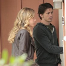 Sarah Roemer e Jason Ritter nell'episodio For The Good of Our Country di The Event
