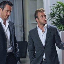 Scott Caan e Alex O'Loughlin in Hawaii Five-0 nell'episodio Mana'o