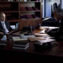 Zeljko Ivanek in una scena dell'episodio I Know Who You Are di The Event
