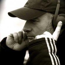 Il regista Pierre Vinour sul set del suo film Magma