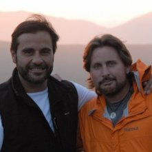Emilio Estevez con Joaquim de Almeida nel film The Way