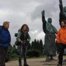 Martin Sheen e Deborah Kara Unger con Emilio Estevez nel road movie The Way