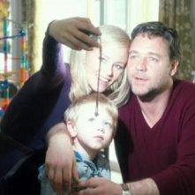 Ritratto familiare per Elizabeth Banks e Russell Crowe nel film The Next Three Days