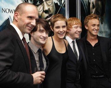 Ralph Fiennes, Daniel Radcliffe, Emma Watson, Rupert Grint e Tom Felton alla premiere newyorkese di Harry Potter e i doni della morte - Part 1