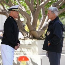 Bruce Boxleitner e Mark Harmon in una scena dell'episodio Broken Arrow di NCIS