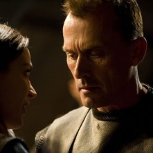 Robert Knepper faccia a faccia con Kathleen Munroe in The Greater Good di Stargate Universe