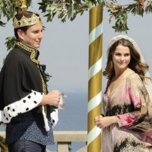 Will Arnett e Keri Russell in Running Wilde nell'episodio Best Man