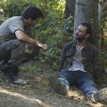 Jon Bernthal ed Andrew Rothenberg nell'episodio Vatos di The Walking Dead
