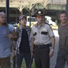 The Walking Dead: Andrew Lincoln, Robert 'IronE' Singleton, Steven Yeun e Norman Reedus nell'episodio Vatos