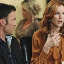 Brian Austin Green e Marcia Cross in una scena dell'episodio A Humiliating Business di Desperate Housewives