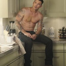 Brian Austin Green in una scena dell'episodio You Must Meet My Wife di Desperate Housewives