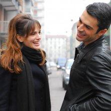 Gaia Bermani Amaral e Luca Argentero in una scena del film La donna della mia vita