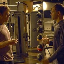 Michael C. Hall e Jonny Lee Miller in una scena dell'episodio 'Teenage Wasteland' di Dexter