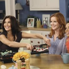 Teri Hatcher, Marcia Cross ed Eva Longoria in una scena dell'episodio Remember Paul? di Desperate Housewives