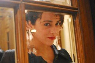 Valentina Lodovini in una suggestiva immagine del film La donna della mia vita