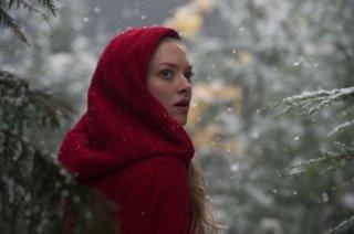 Un bel primo piano di Amanda Seyfried in Red Riding Hood